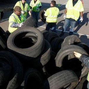 Coleta de pneus velhos