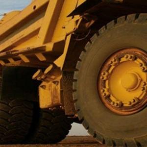 Serviço de trituração de pneu OTR